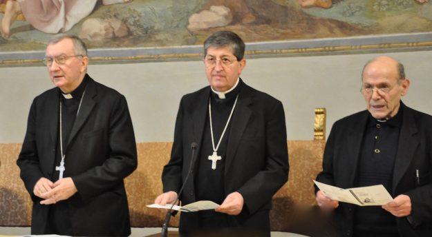 Da sin. i cardinali Pietro Parolin e Giuseppe Betori con monsignor Dante Carolla al Seminario di Firenze