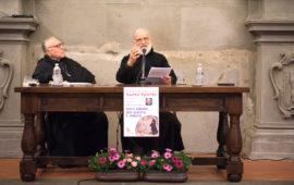 da sin. Monsignor Giovanni Scanavino e Padre Raniero Cantalamessa