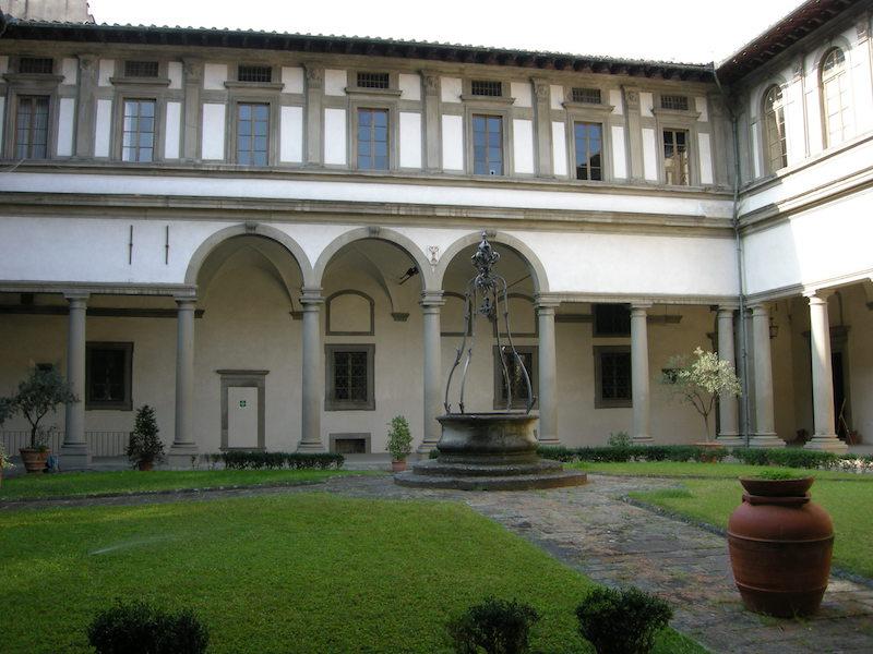 Il chiostro grande nel convento di Santo Spirito