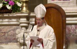 Il cardinale Betori durante un'omelia