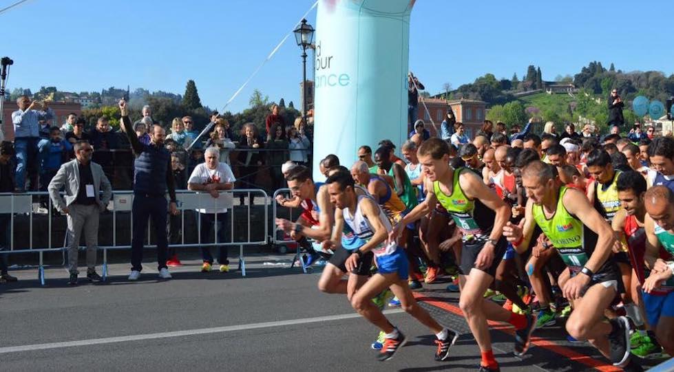 La partenza della Half Marathon Firenze 2017 Vivicittà