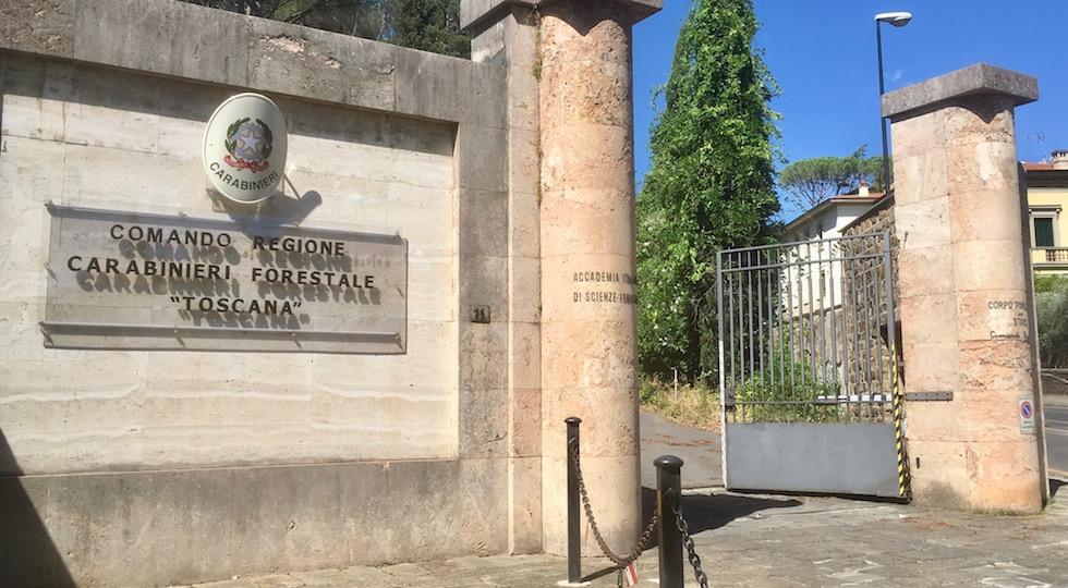 L'ingresso di Villa La Favorita a Firenze sede del Comando Regionale Carabinieri Forestale