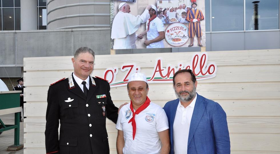 Il generale Gianfranco Cavallo, O zi Aniello (Vincenzo Staiano), Alessandro Martini direttore Caritas