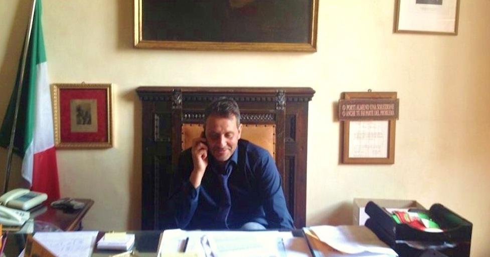 Oreste Giurlani sindaco di Pescia (foto dal profilo Facebook)