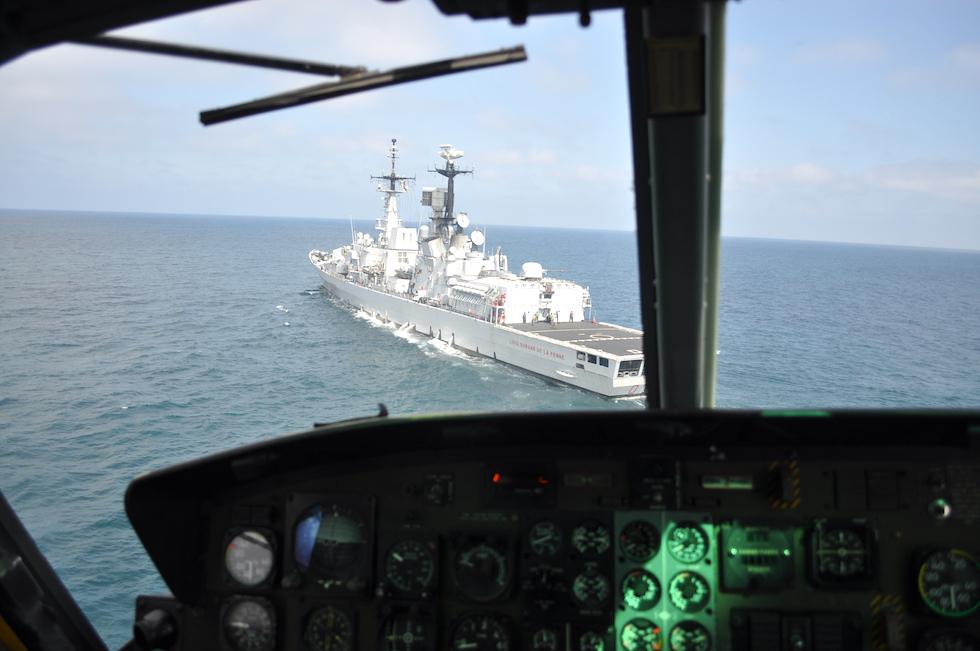 Nave Durand de la Penne ripresa dall'elicottero