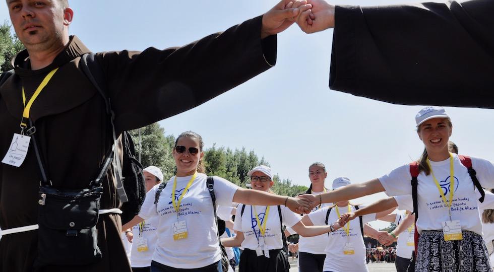 Un gruppo di giovani della Bosnia alla Marcia del Perdono 2017