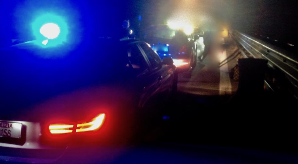 Intervento della Polizia Stradale a un automobilista in difficoltà sulla Grosseto Siena