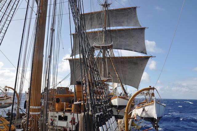 Nave Vespucci in navigazione tra le Azzorre e Cadice