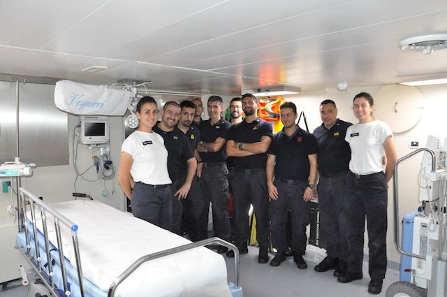 Il team dell'infermeria di Nave Vespucci 2017