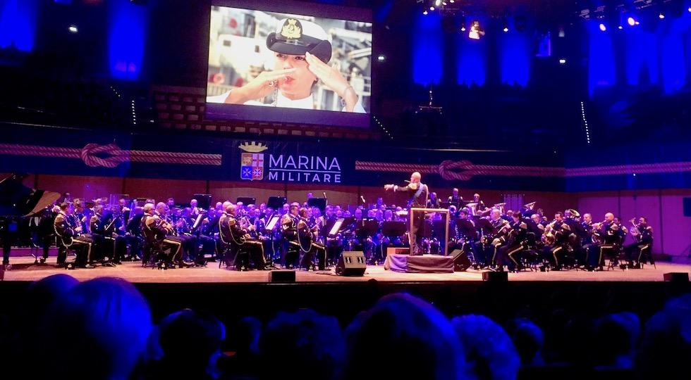 La banda musicale della Marina durante il concerto 2017 per Telethon