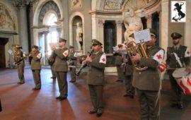 La banda del Corpo Militare della Cri Toscana durante la premiazione degli Scudi di San Martino 2016