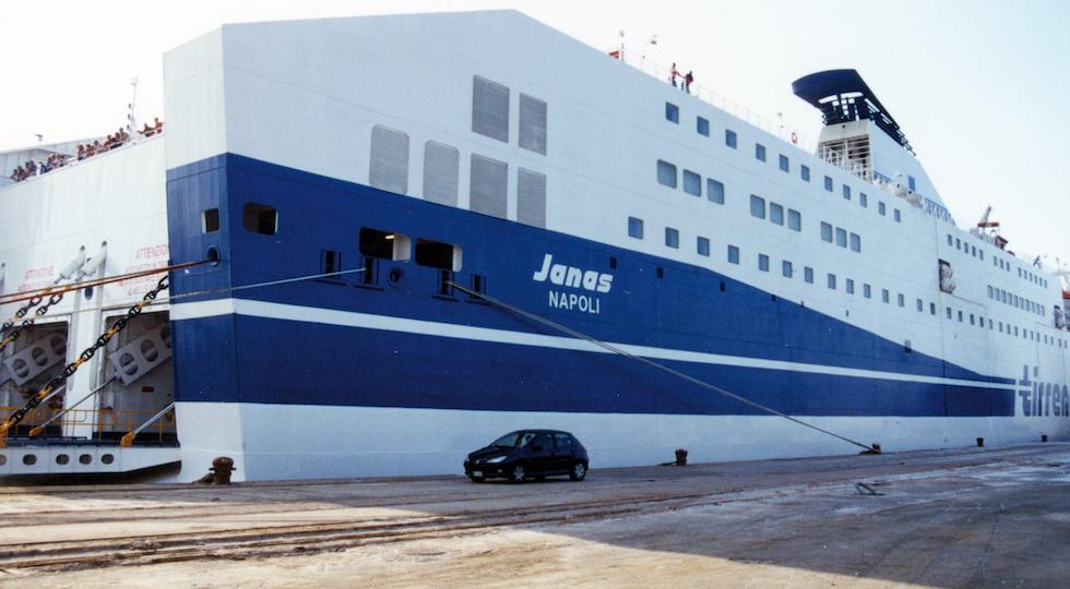 Il traghetto Janas in una foto di repertorio