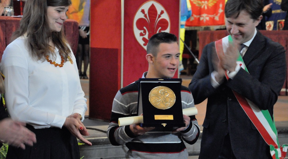 Valerio Catola, 17anni, applaudito dal sindaco Dario Nardella