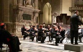 Il cardinale Betori assiste al concerto d'organo nel Duomo di Firenze diretto da Michele Manganelli