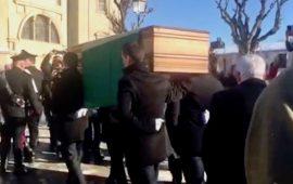 La salma del re Vittorio Emanuele III al suo arrivo al Santuario di Vicoforte