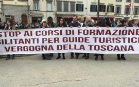 Un momento della manifestazione delle Guide turistiche a Firenze