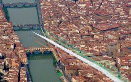 Le Frecce Tricolori sopra Firenze nel 2008 per gli 85 anni dell' Aeronautica