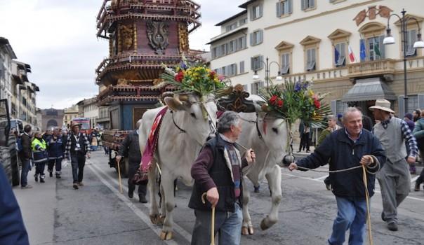 La partenza del Carro da Via il Prato (Archivio OsservatoreLIbero.it 2016)