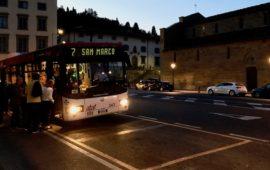 Il bus 7 fermo al capolinea in piazza Mino da Fiesole