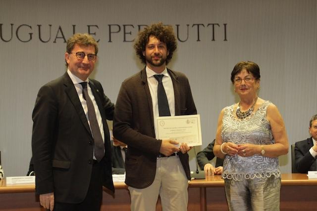 Gianmarco Gori con la Signora Anna Maria Baglione e il Direttore Generale di Banca Cr Firenze Luca Severini