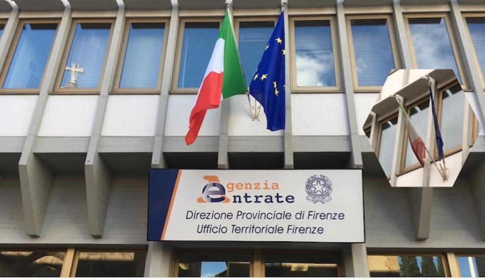 Ufficio Di Entrata : Decoro della bandiera nuovo tricolore all agenzia delle entrate