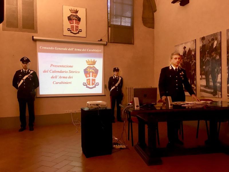 Il colonnello De Liso durante la presentazione a Firenze del Calendario 2019 dell'Arma