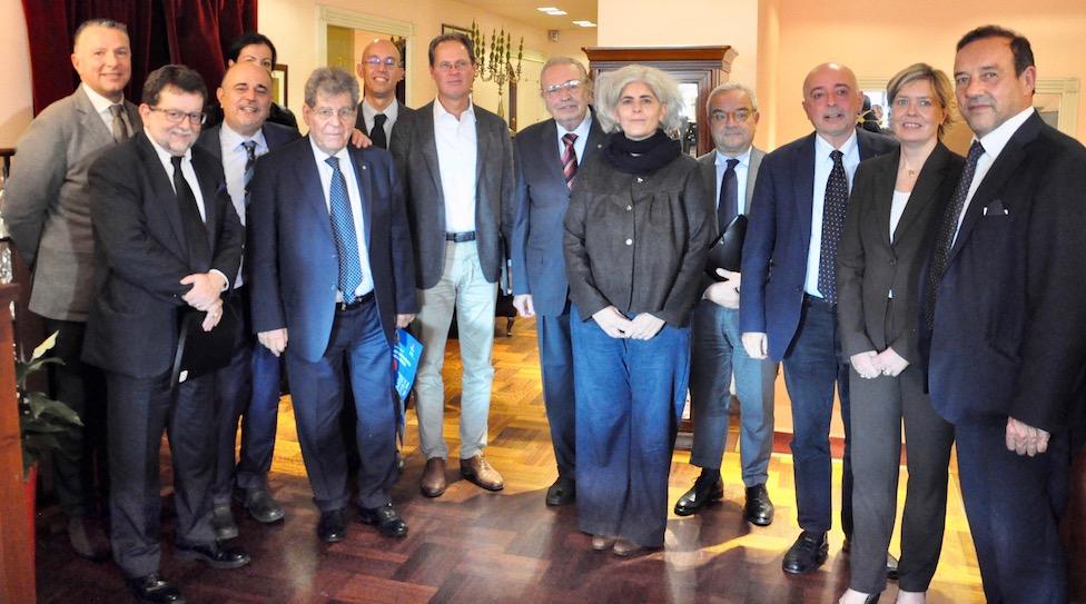L'incontro tra rappresentanti del Corpo Consolare di Firenze e della stampa