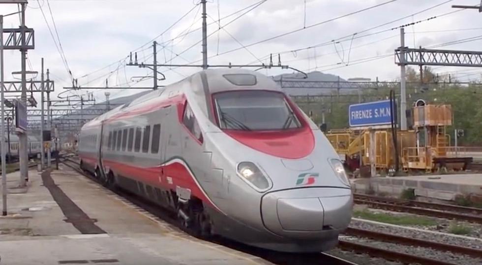 Un Frecciargento ETR 600 che collega Firenze a Roma