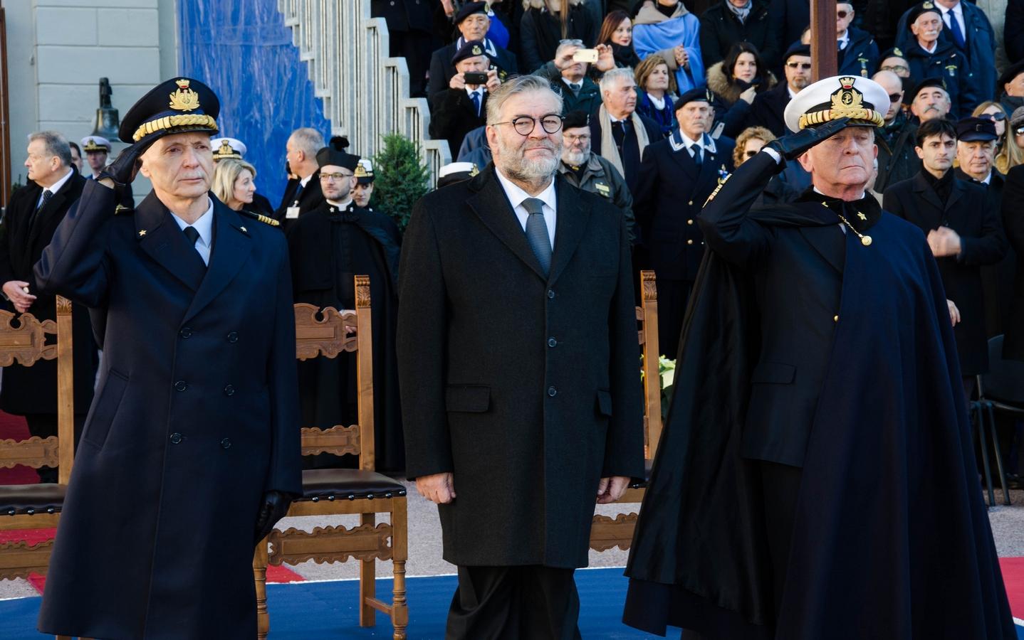 da sin. generale Enzo Vecciarelli, sottosegretario Raffaele Volpi, ammiraglio Valter Girardelli