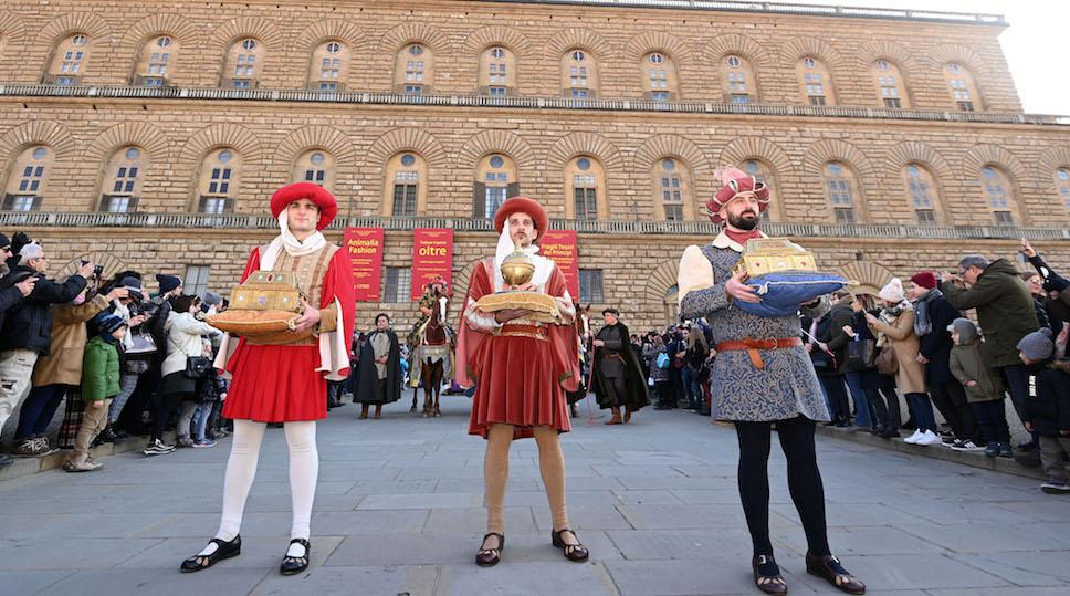 I Re Magi alla partenza del corteo in Piazza Pitti (foto Opera del Duomo Firenze/ Claudio Giovannini)