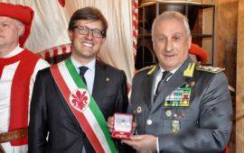 Il sindaco di Firenze Dario Nardella con il comandante generale della Guardia di Finanza Giorgio Toschi