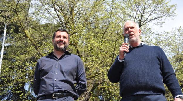 Matteo Salvini e Ubaldo Bocci durante il comizio a Firenze all'Isolotto