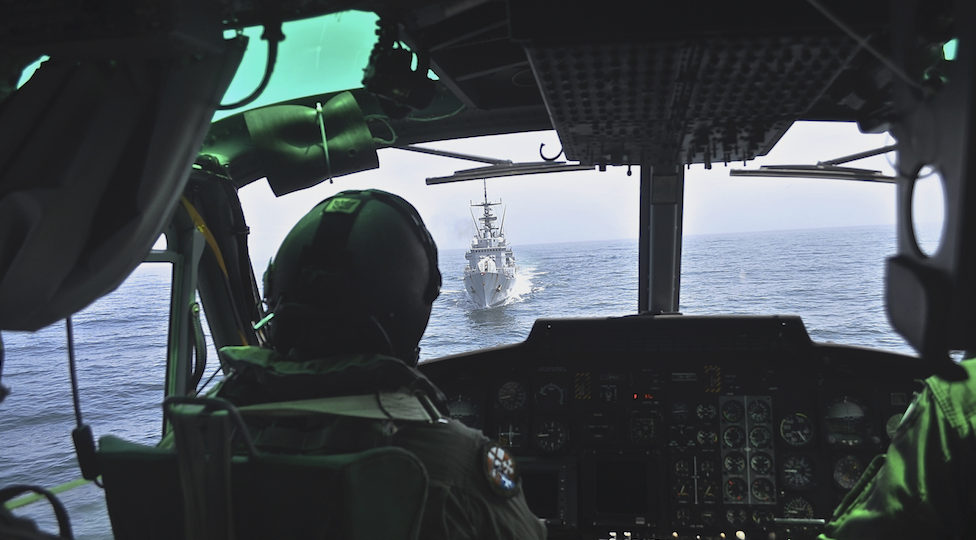 L'ammiraglio Cavo Dragone è pilota della Marina