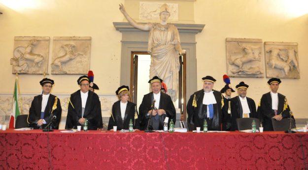 Il presidente della Corte dei Conti Angelo Buscema (al centro) alla seduta della Sezione Regionale di Controllo Toscana