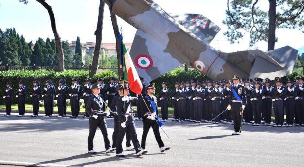 La cerimonia di cambio del comandante alla Scuola Douhet