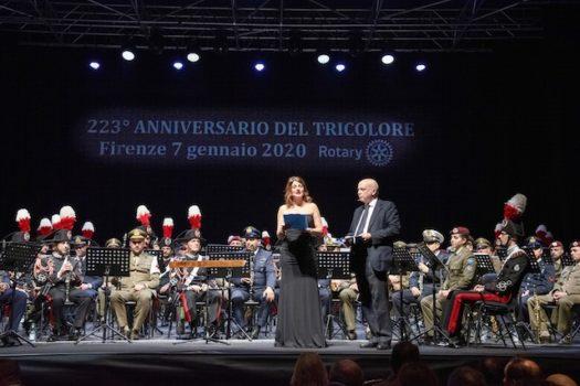 Lucia Petraroli presenta la serata