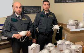 Oltre 137.000 mascherine sequestrate dalla Guardia di Finanza a Firenze