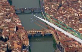 Il passaggio delle Frecce Tricolori a Firenze nel 2008