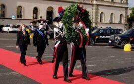 Il prefetto di Firenze Laura Lega e il generale Nicola Massimo Masciulli comandante della Legione Carabinieri Toscana alla caserma Baldissera