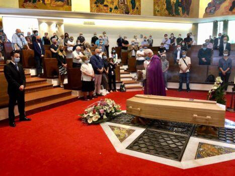 Il rito funebre per Luca Palandri nella chiesa di San Bartolomeo in Tuto