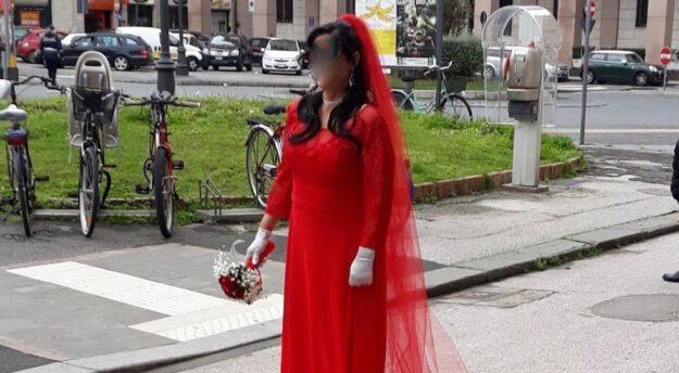 Livorno: una sposa in rosso per un matrimonio a pagamento tra immigrati clandestini e italiani a corto di liquidità