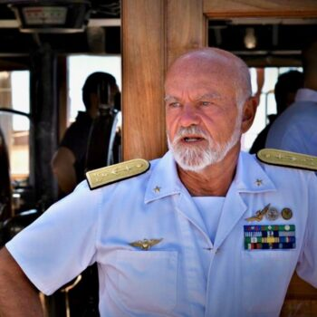 Ammiraglio Paolo Treu su Nave Vespucci
