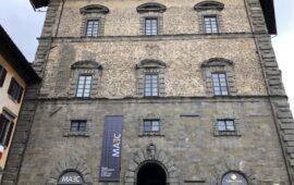 La facciata di Palazzo Casali a Cortona, sede del Maec