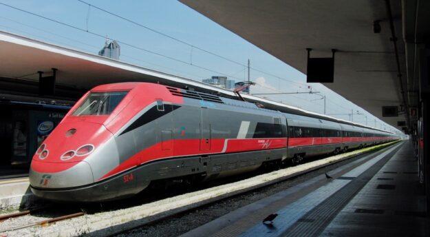Collegamenti più rapidi con il Frecciarossa tra Terontola-Cortona e Milano-Torino