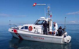 Un rilevamento ambientale in mare della Guardia Costiera