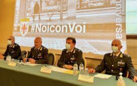 da sin. i generali Cervi, Bartoloni (comandante Regione Toscana), Nieddu e Levanti alla conferenza stampa per il 247° della Guardia di Finanza