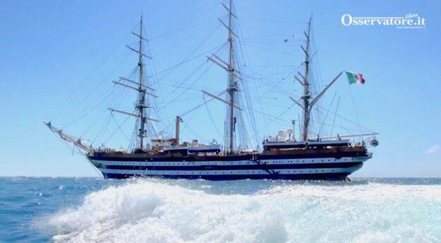 Nave Vespucci temporanemente ferma per 20 casi di Covid