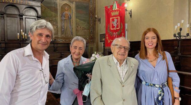 da sin. l'assessore Francesco Attesti con la signora Daria Ubaldi, il marito Antonio Ingrosso e la dirigente dell'Ufficio cultura Maria Rosa Quintili
